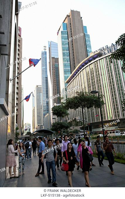 Ayala Avenue in Makati City, the financial and business district in the center oft he capital Metro Manila, Phillipines, Asia