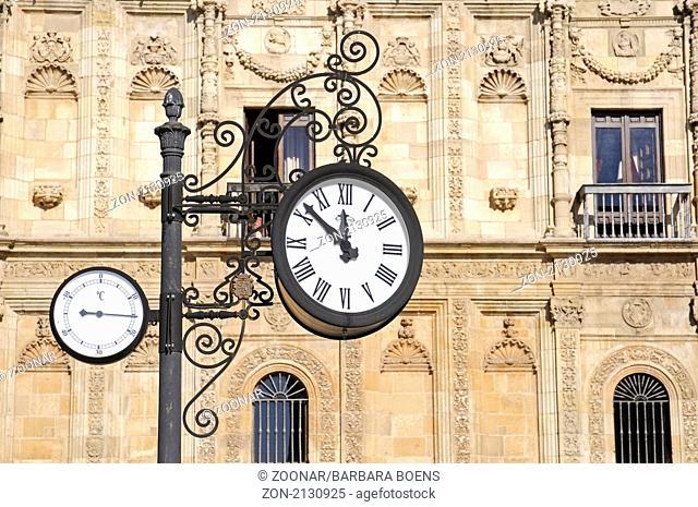 Clock, Thermometer, Uhr, San Marcos, Parador, Hotel, Leon, province of Castilla y Leon, Kastilien Leon, Spanien, Spain