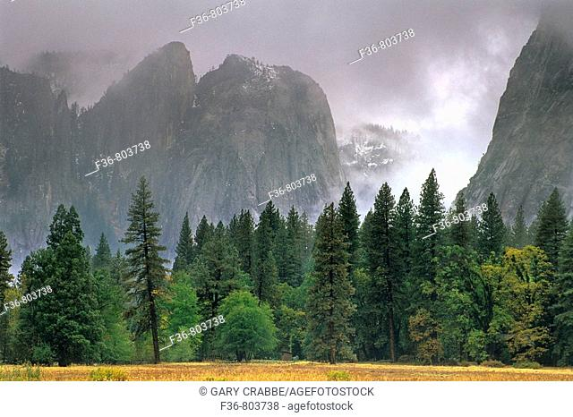 Fall rain clouds over Yosemite Valley, Yosemite National Park, CALIFORNIA