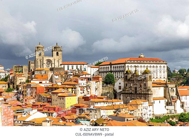 Cityscape, including Porto Cathedral and Igreja dos Grilos, Porto, Portugal
