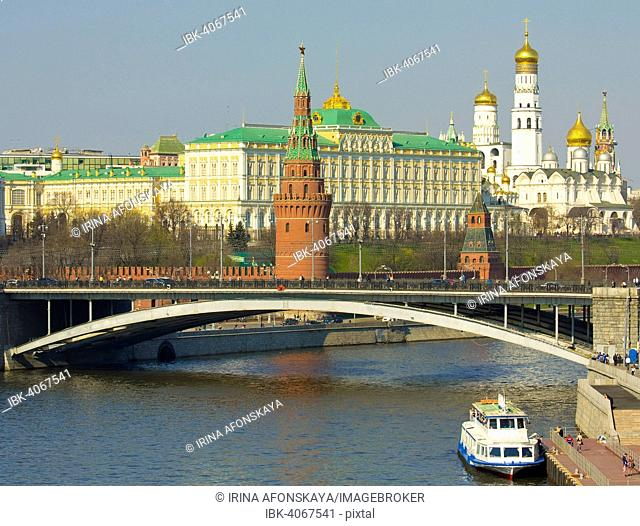 Moscow Kremlin with Kremlin palace and bell tower of Ivan the Great and Arhangelskiy Cathedral and Greater Stone Bridge, Moscow, Russia