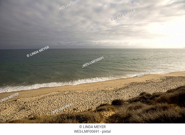 USA, California, view to Pismo Beach and cloud covered sky over the sea
