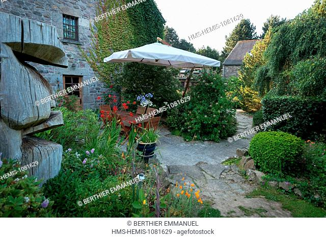 France, Cotes d'Armor, Plehedel, The unusual site hosting Huts of the Garden Stone