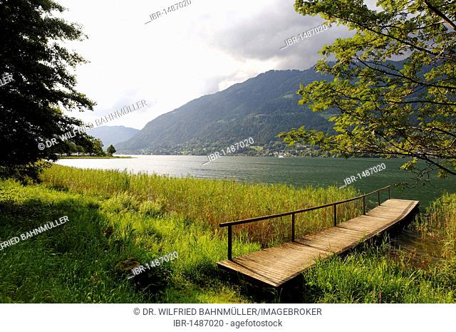 Ossiacher See lake, south bank, with Mt. Gerlitzen, Carinthia, Austria, Europe
