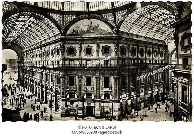 MILANO Galleria Vittorio Emanuele, l'ottagono con l'argenteria di Ginevra Gianese vedova Bernasconi, aperta come prestigiosa rivendita dei prodotti del...