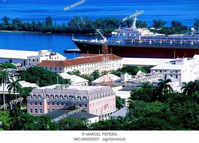 Bahamas, New Providence, Nassau, cruise ship