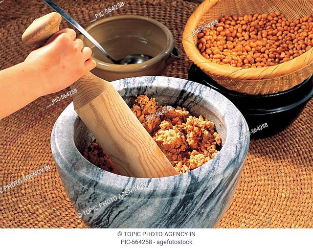 Making Meju,Korean Food
