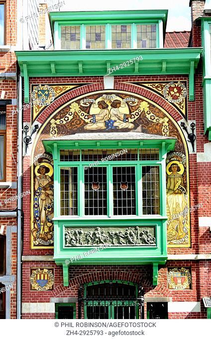 Brussels, Belgium. 170 Rue Georges Moreau (1908: Hector Gerard) Fadae detail