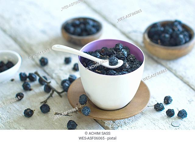 Fruits of sloe in a bowl