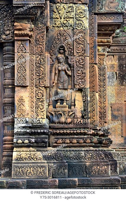 Engraving of a devote on the Banteay Srei temple wall, Siem Reap, Cambodia, South East Asia, Asia