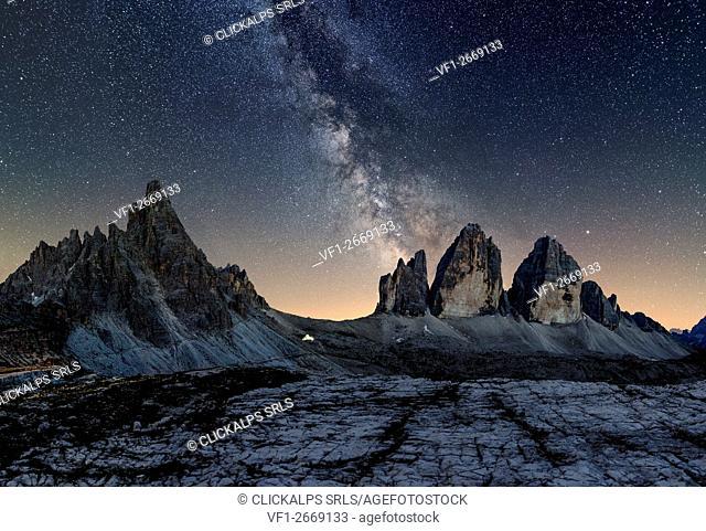 Tre Cime di Lavaredo, Drei Zinnen, Three peaks of Lavaredo, Dolomites, South Tyrol, Veneto, Italy. Tre Cime di Lavaredo, Paterno and Milky Way
