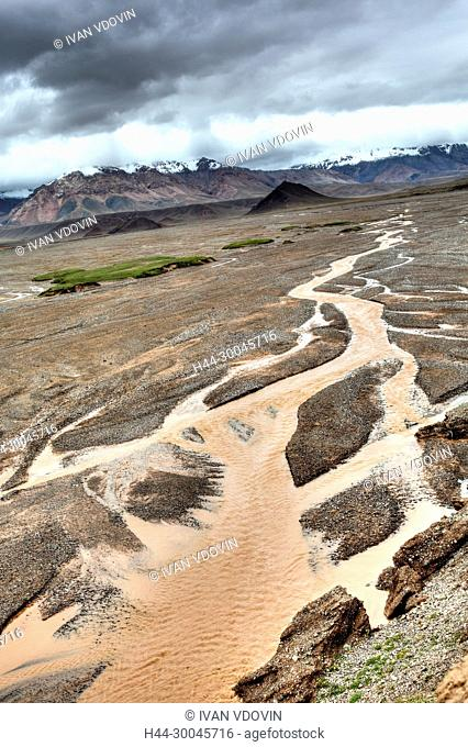 Landscape, road from Kashgar to Torugart pass, Kizilsu Prefecture, Xinjiang Uyghur Autonomous Region, China
