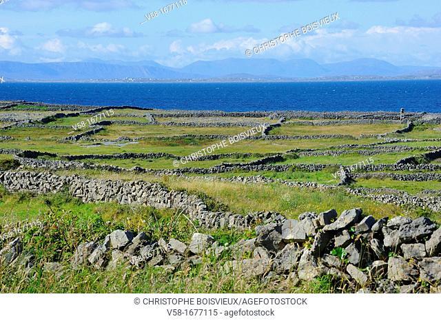 Ireland, County Galway, Aran Islands, Inishmore, Overlooking Galway bay and Connemara