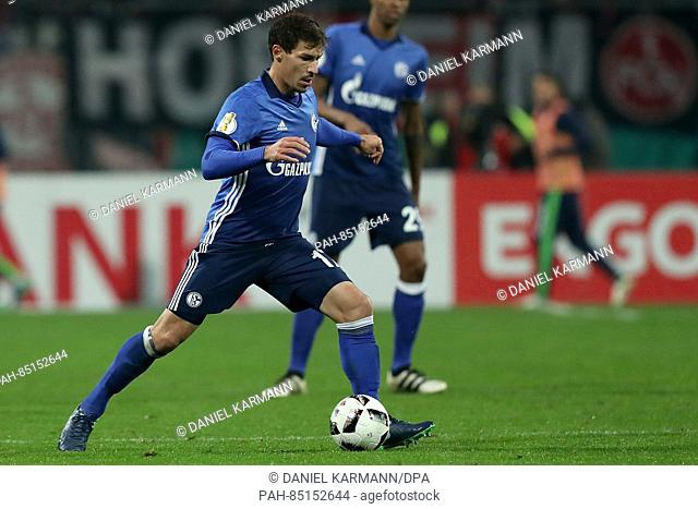 Benjamin Stambouli from FC Schalke 04 in action during the 2nd Round DFB Pokal soccer match between FC Nuernberg and FC Schalke 04 in the Grundig Stadium in...