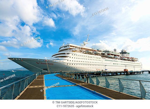 cruise ship,Martinique, Fort de France, caribbean