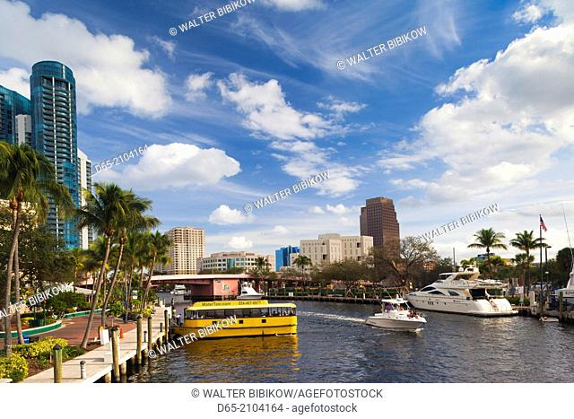 USA, Florida, Fort Lauderdale, Las Olas Riverwalk Area, water taxi