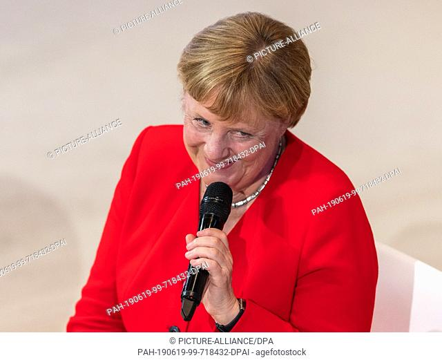 """19 June 2019, Saxony, Dresden: Chancellor Angela Merkel (CDU) speaks at the conference """"""""Morals & Machines 2019 - Can artificial intelligence save humanity?""""""""..."""