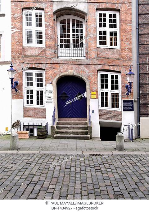 Old residential house, Hamburg, Germany, Europe