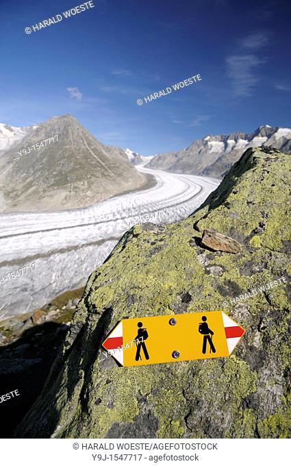 Switzerland, Valais, Western Europe, Jungfrau Region, Aletsch Glacier UNESCO world heritage site  Hiking trail sign between Bettmerhorn and Märjelensee