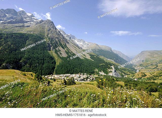 France, Hautes Alpes, Ecrins National Park, Villar d'Arene and Massif de la Meije (3982 m)