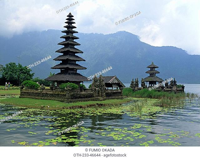 Pura Urun Danu Lake Bratan, Bali, Indonesia