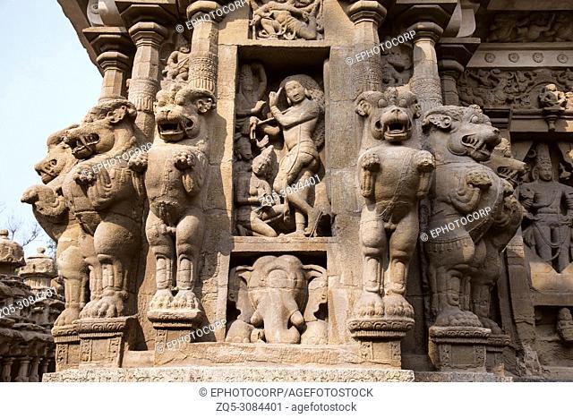 Carved idol on the inner wall of the Kanchi Kailasanathar temple, Kanchipuram, Tamil Nadu, India