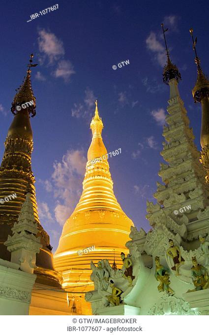 Golden stupa at night, Shwedagon Pagoda, Yangon, Myanmar, Burma, Southeast Asia
