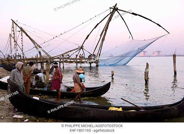 India, Kerala State, Fort cochin or Kochi, Chinese fishing nets