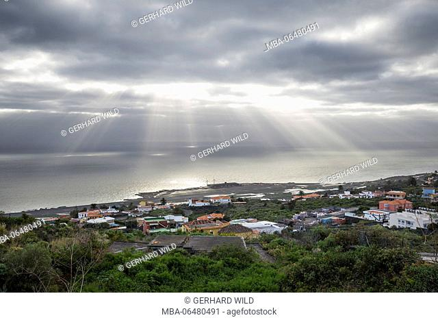 View to the airport and the Atlantic, sunbeams pervades the cloud cover, La Palma, Canary Islands, Spain, La Palma, Canary islands, Spain
