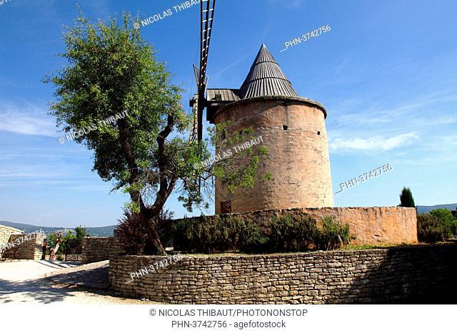 France, Provence Alpes Cote d'Azur, department of Vaucluse (84), Goult, Jerusalem mill (natural park of Luberon)