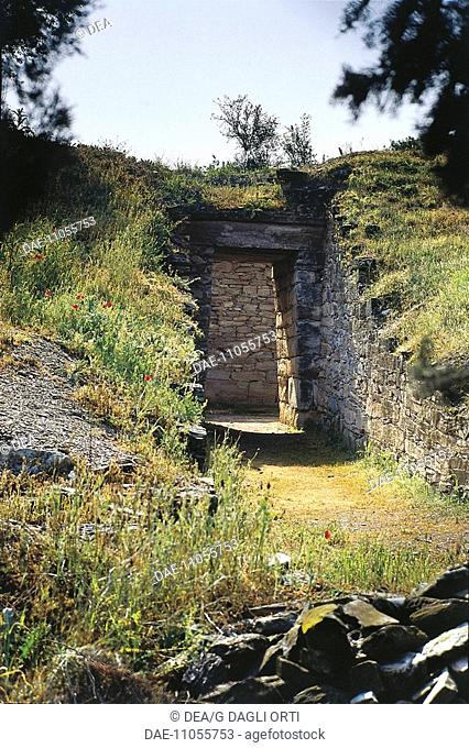 Greece - Thessaly - Dimini. Neolithic tomb