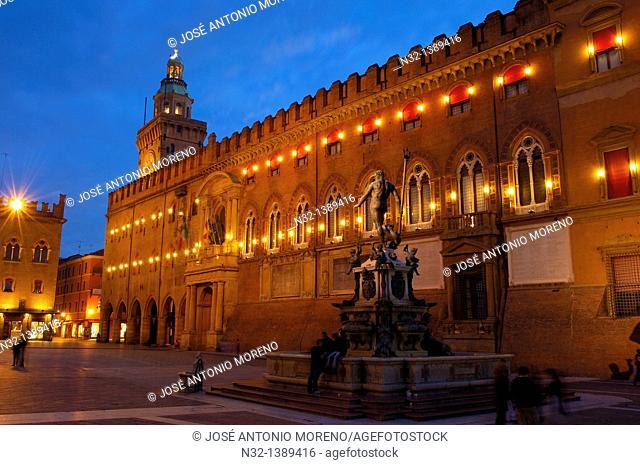 Bologna, Palazzo Comunale Town Hall, Piazza Maggiore Main Square, Neptune fountain, Fontana dei nettuno, Emilia Romagna, Italy
