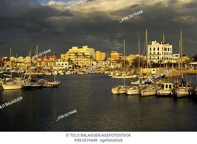 SPAIN (Palma de Mallorca) Puerto del Portixol. Es Molinar