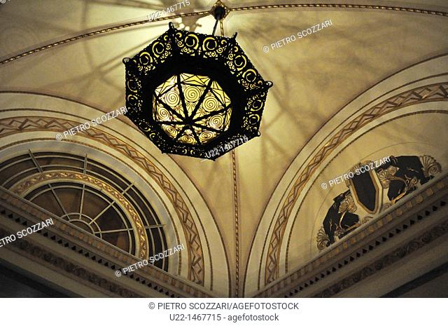 Shanghai (China): ceiling at the Peace Hotel (former Cathay Hotel)