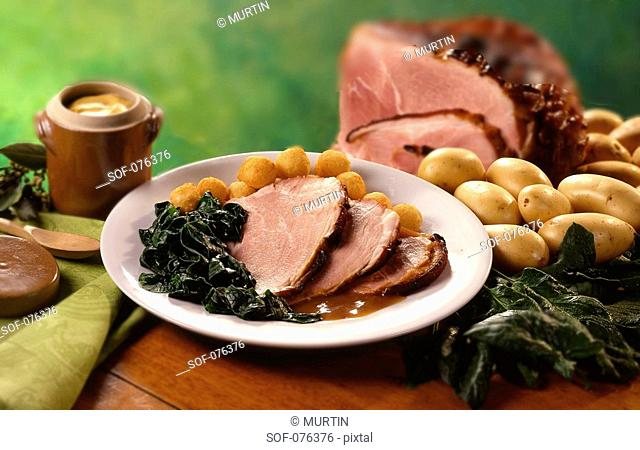 Braised ham with spinach