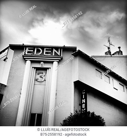 Art deco Eden cinema, Rue de la Republic, Menton, Côte d'Azur, Alpes-Maritimes, Provence-Alpes-Côte d'Azur, Mediterranean sea, France, Europa