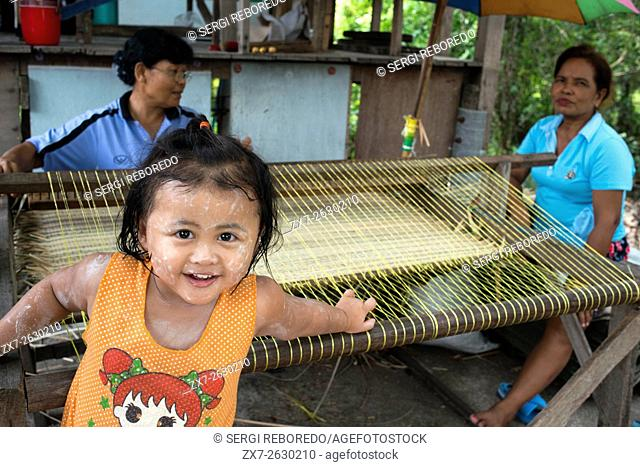 Local people. Ko Kret (also Koh Kred) is an island in the Chao Phraya River, 20 km north of Bangkok, Thailand. The island dates only to 1722