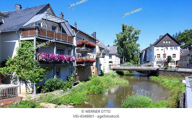 D-Simmern (Hunsrueck), Simmerbach, Simmerbachtal, Kuelzbach, Soonwald, Naturpark Soonwald-Nahe, Hunsrueck, Rheinland-Pfalz, Idylle am Simmerbach