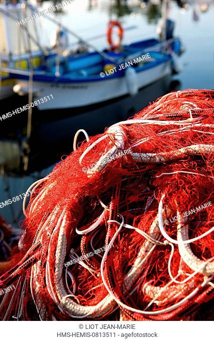 rance, Var, Sanary sur Mer, the harbour, a fishnet