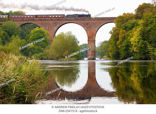 Steam locomotive LMS Jubilee Class Leander 45690. Wetheral Viaduct Eden, Wetheral, Carlisle, Cumbria, UK