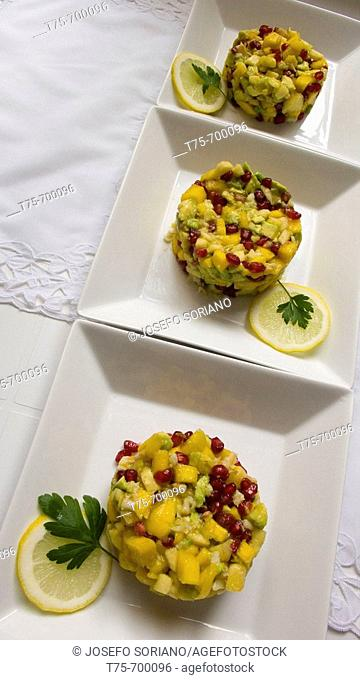 Tropical fruits tart with shrimps