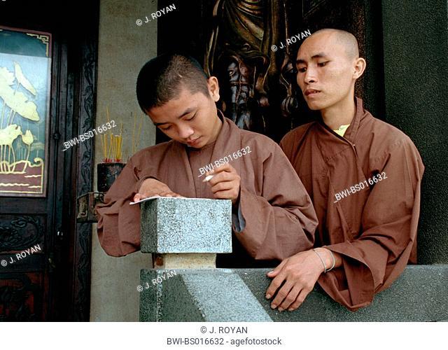 buddhist monks, Vietnam