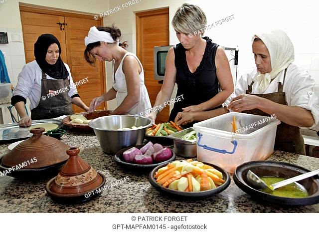 DISCOVERING THE LOCAL CUISINE, PREPARING A TAJINE, TRADITIONAL MOROCCAN COOKING CLASSES WITH BERBER WOMEN, ONE OF THE ACTIVITIES AT THE DOMAINE DE TERRES...