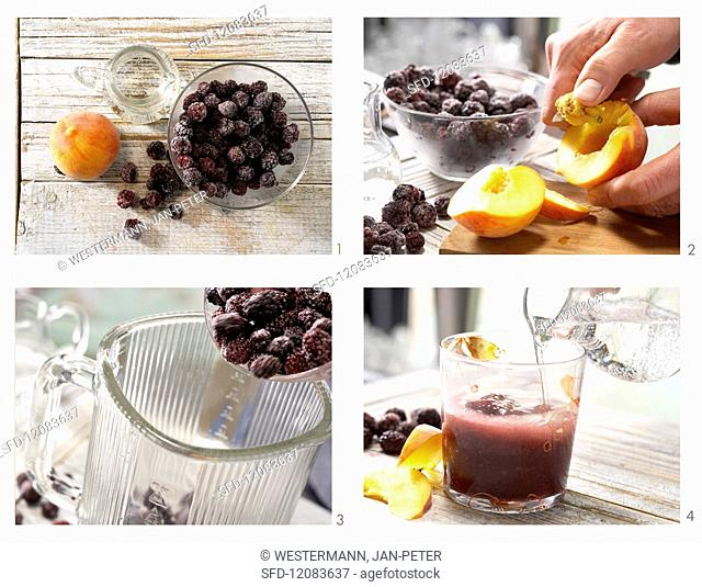 How to prepare blackberry & peach smoothie with mineral water