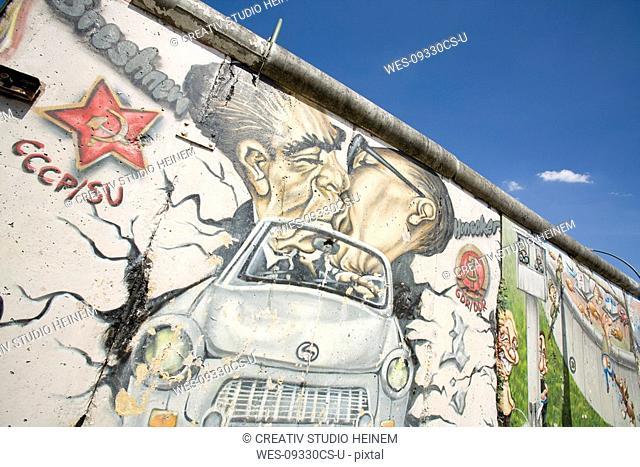 Germany, Berlin, Wall with graffiti