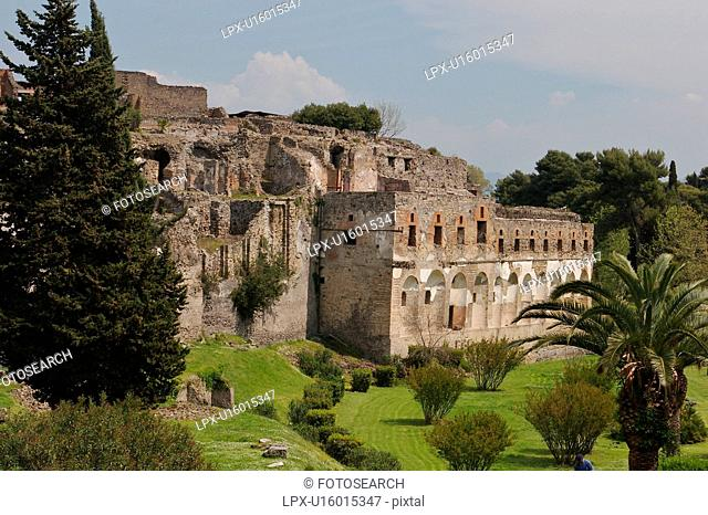 External walls of Pompei, view of city