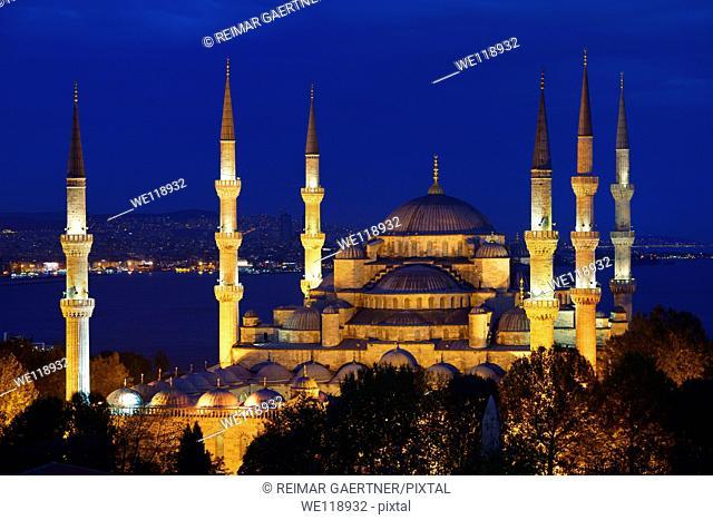 Lit Blue Mosque at twilight on the Bosphorus Sultanahmet Istanbul Turkey