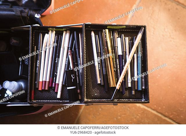 Overhead view of make-up case