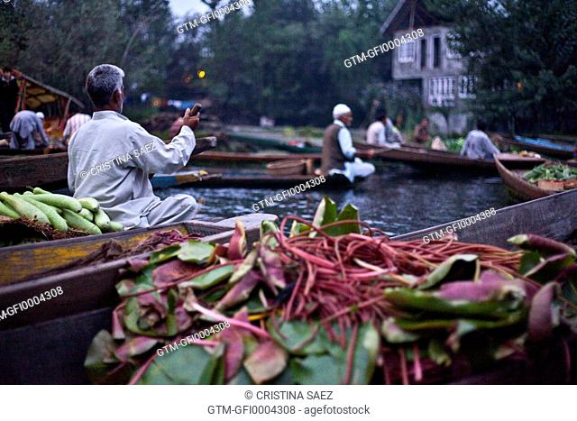 Vegetables and traders in Srinagar floating vegetable market