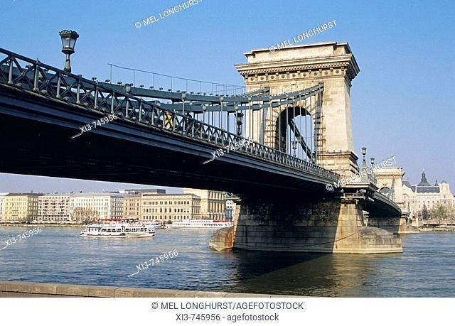 Chain Bridge, Szechenyi Lanchid, over the River Danube, Budapest, Hungary